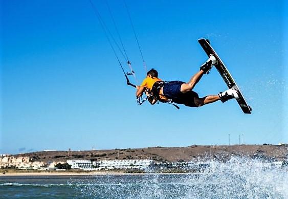saltos kitesurf